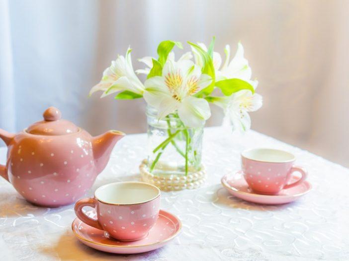 un te con le amiche per festeggiare